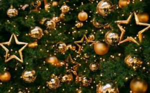 Gold-Christmas-tree-ornaments